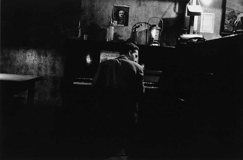 Allen Frame ,   Pianist, Cafe, St. Petersburg, Russia  ,  2002     Gelatin silver print ,  26 x 39 in. (66 x 99.1 cm)     Edition of 3     5843